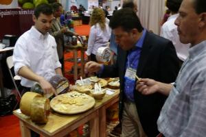 "David samples Gold Medal Winner ""Senorio de Montelarreina"""